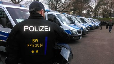 Zdf.reportage - Zdf.reportage Demos, Fußball Und Randale - Bereitschaftspolizei Am Limit