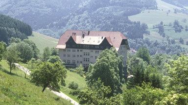 Kultserie In Zdfneo: Die Schwarzwaldklinik - Die Heimkehr (2)