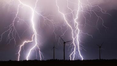 Terra Xpress - Entdeckung Im Wald Und Das Rätsel Der Blitze