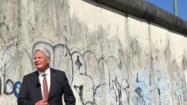 Zdfzeit - 30 Jahre Mauerfall – Joachim Gaucks Suche Nach Der Einheit