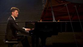 Autokino meets Klassik - Alexander Krichel spielt<br/>Beethoven und Liszt