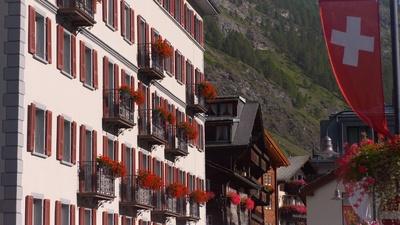 Schweizer Hotelgeschichten (1/4)
