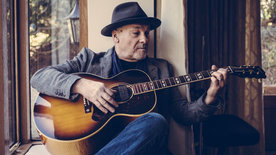 """""""Another side"""" of Paul Carrack"""