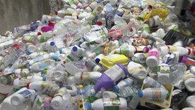 Das dreckige Geschäft mit Plastik